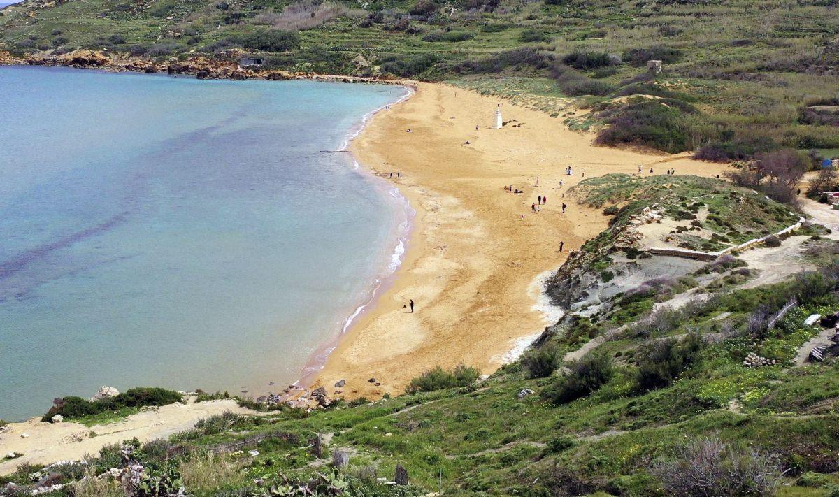 La playa de Ramla il Hamra