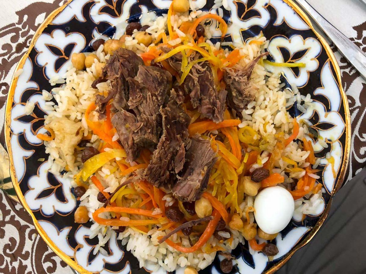 Comer en Bukhara