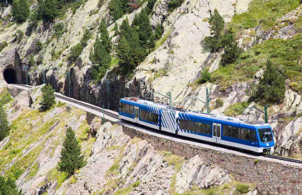Tren cremallera de Núria (Girona)
