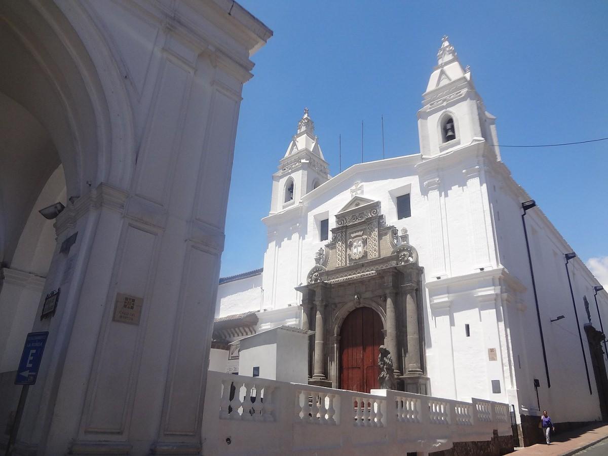 Conventos e iglesias