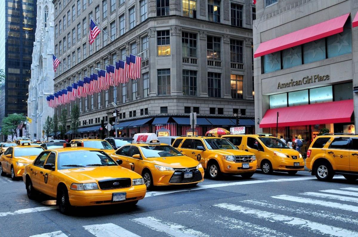 2. En taxi amarillo