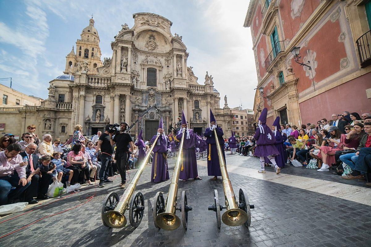 Oler a azahar en las calles durante la Semana Santa
