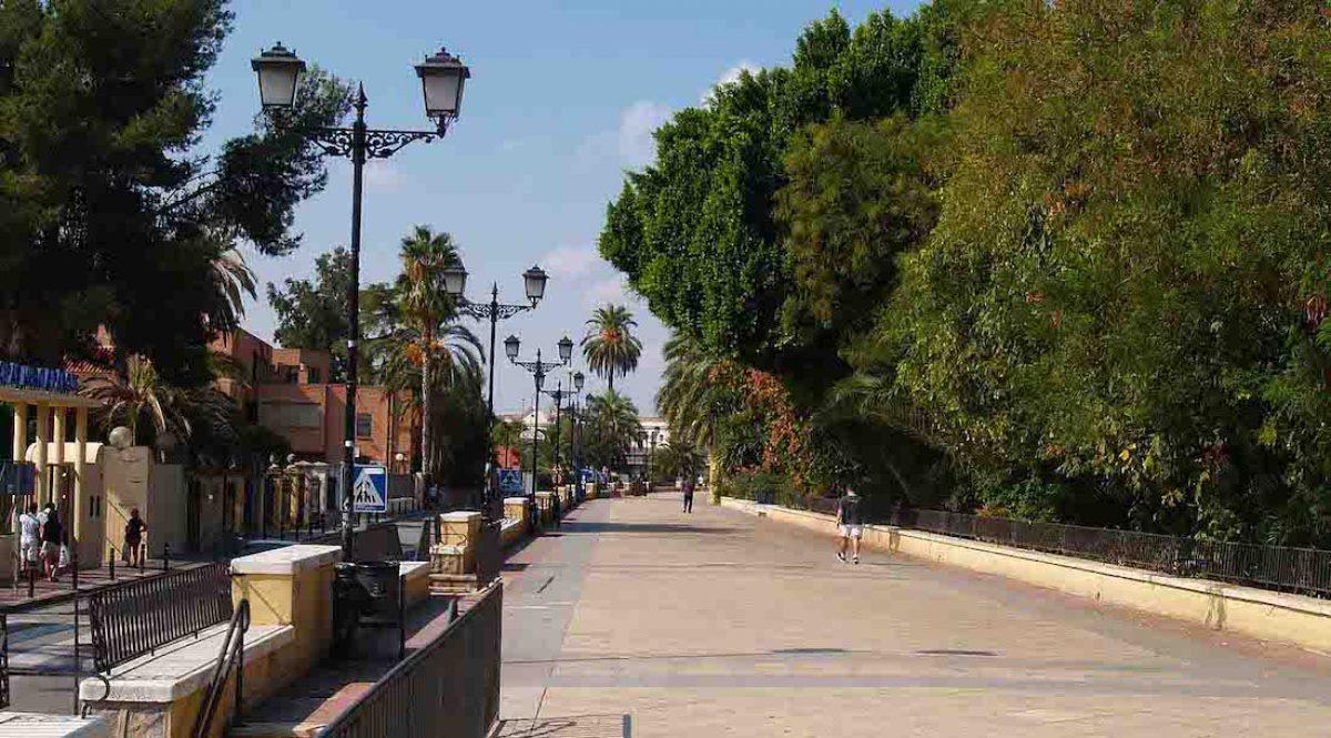 Pasear por el Malecón hasta la huerta