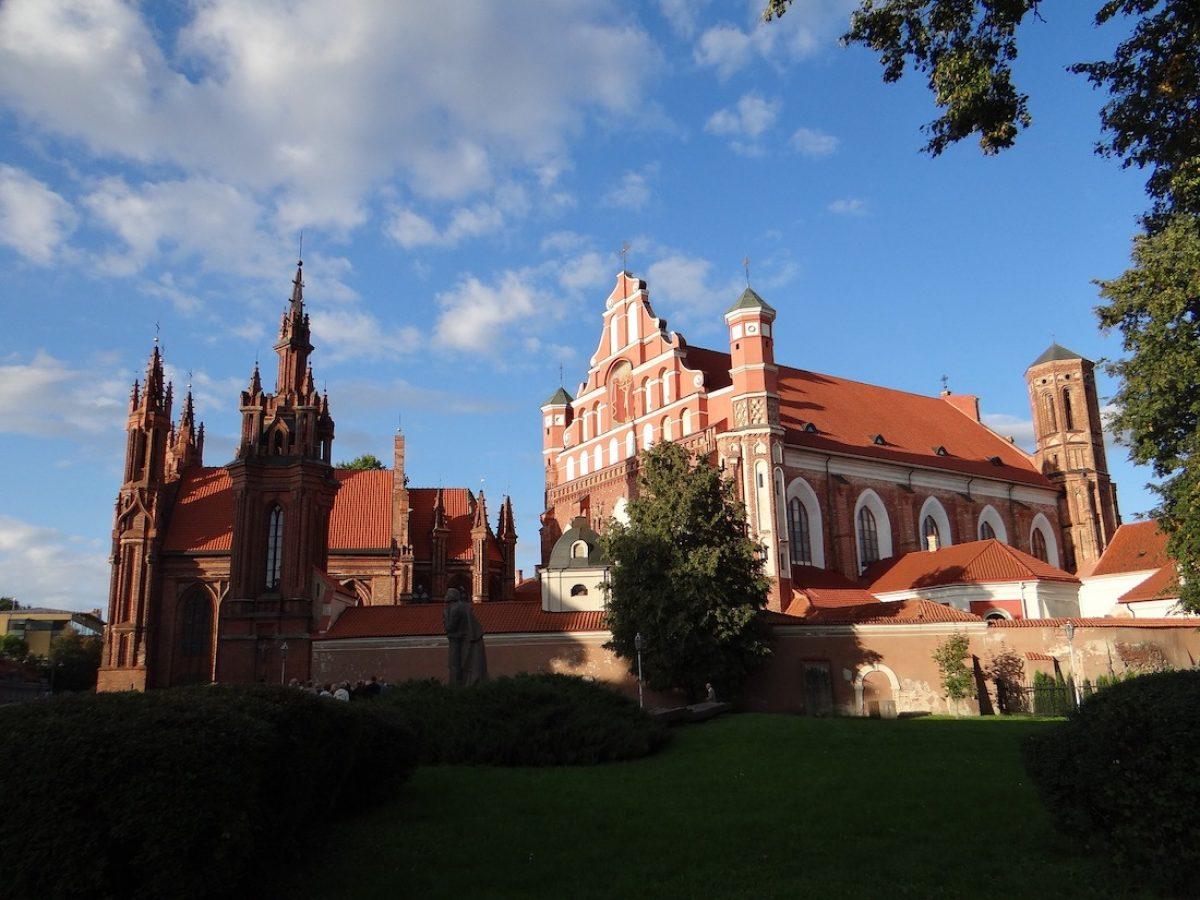 Decenas de iglesias en Vilna