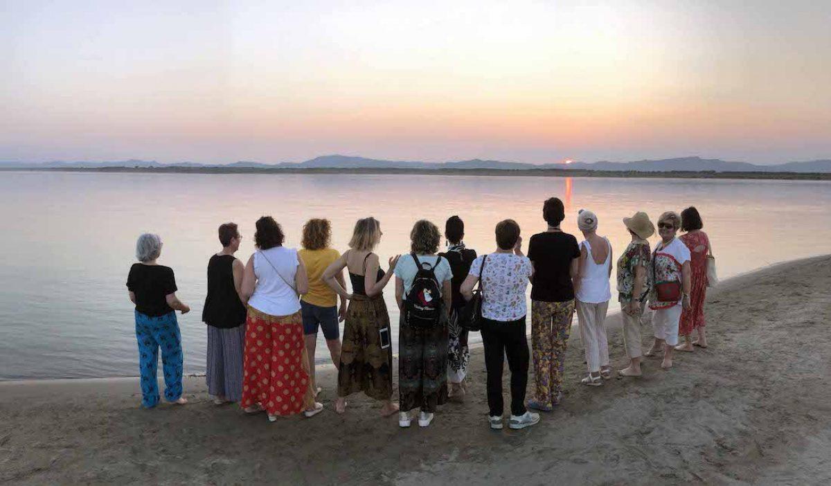 Un atardecer en el río Irawadi, en Bagan