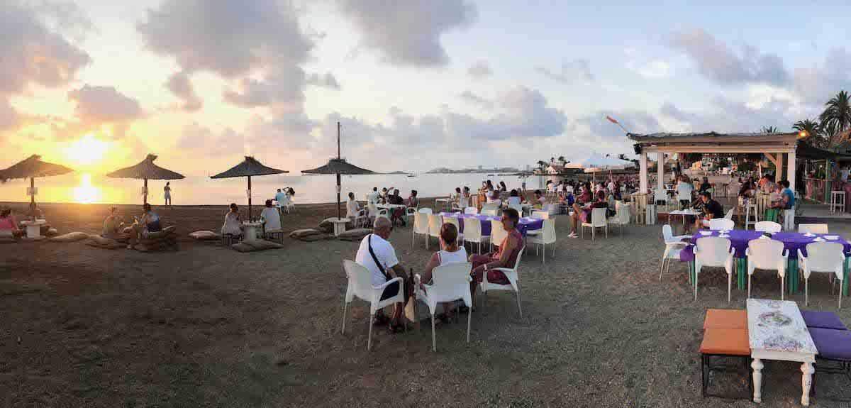 Los mejores chiringuitos y restaurantes a pie de playa de La Manga