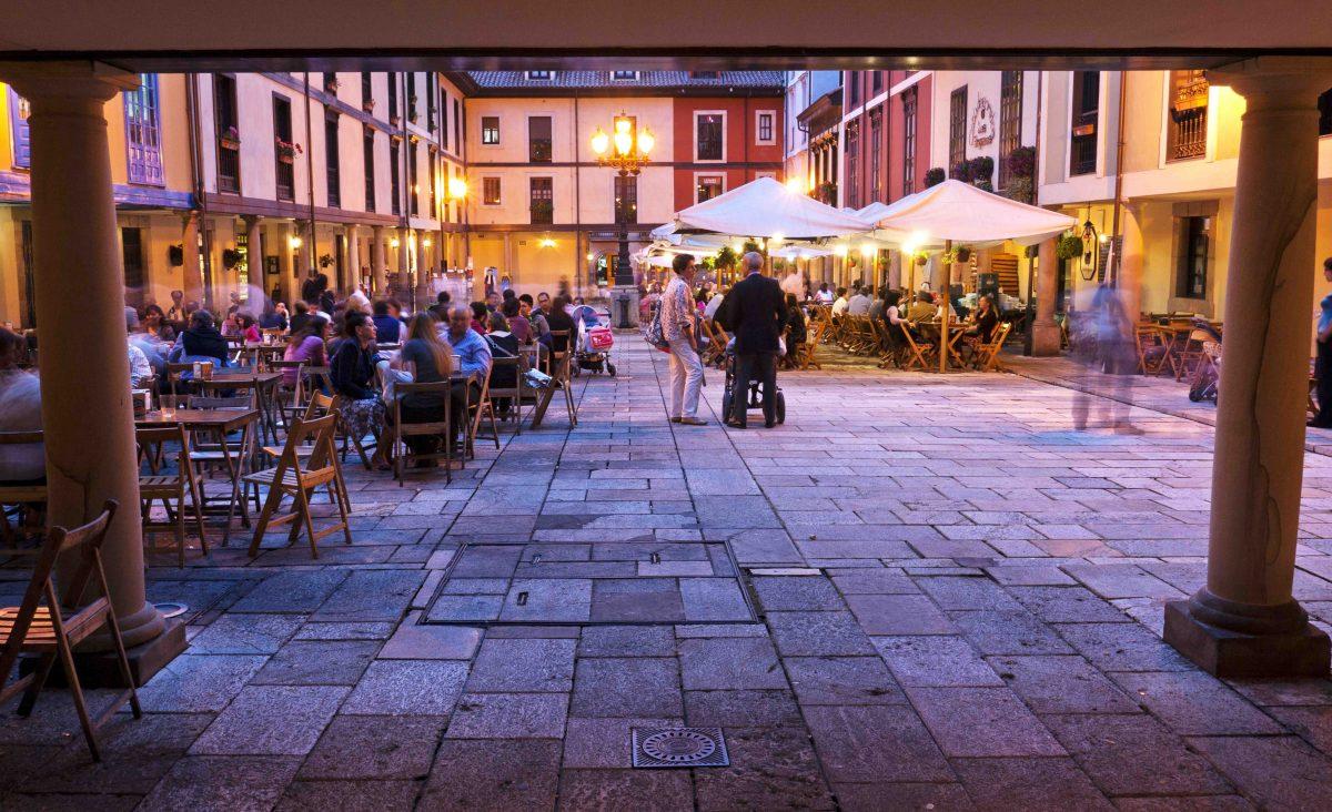 Plaza y mercado El Fontán