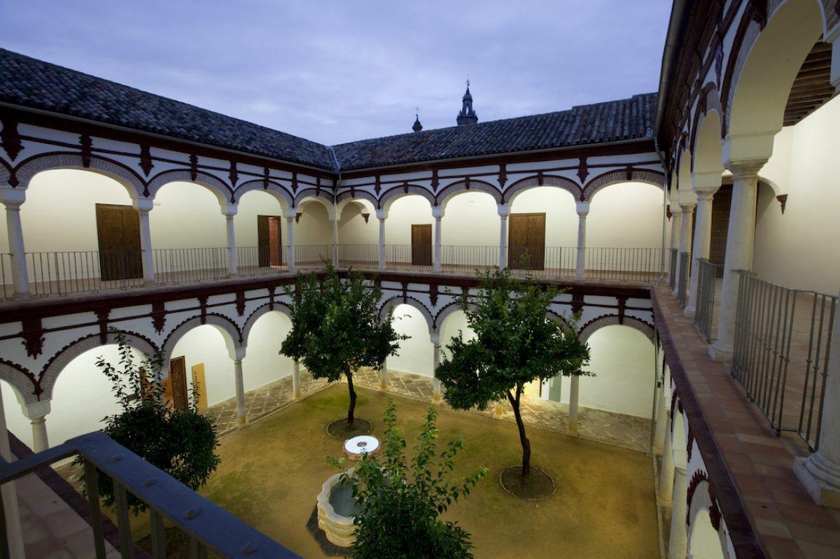 El palacio de Benamejí y la iglesia de Santa María