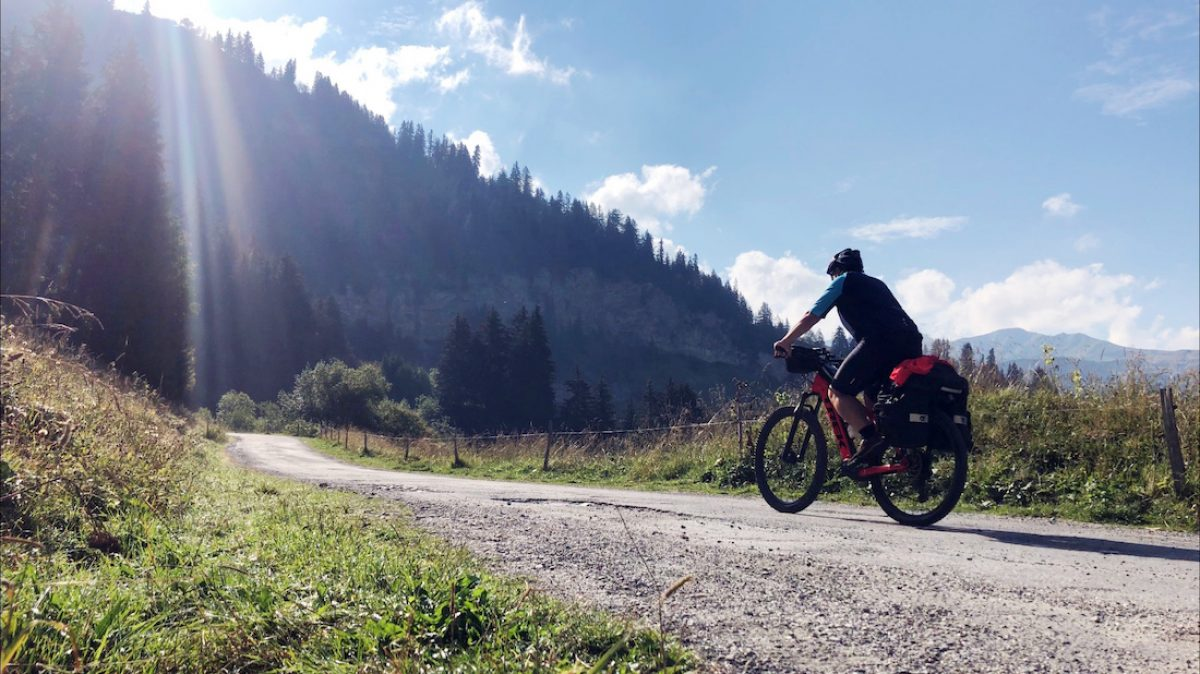 ETAPA 4. Arêches – Bourg St. Maurice. 42,9 km / 1260 mts desnivel acumulado