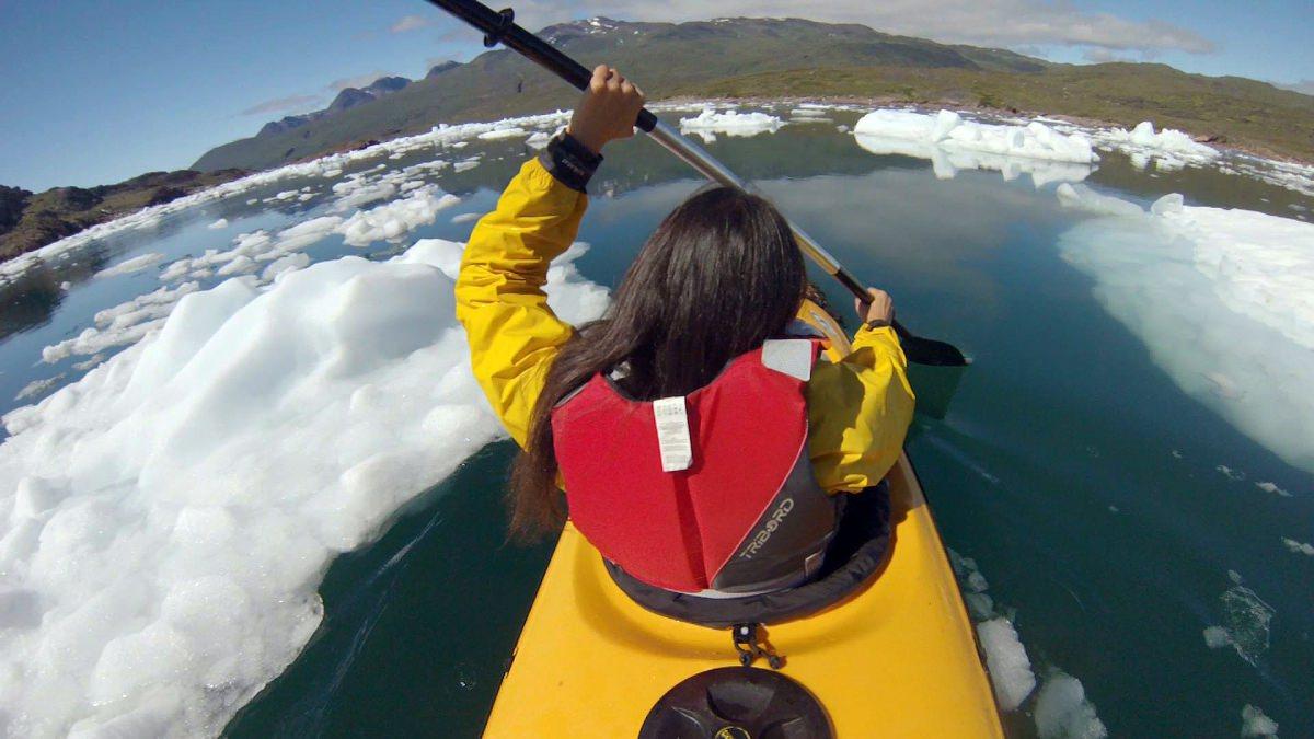 Un paseo en kayak por Tasiusaq
