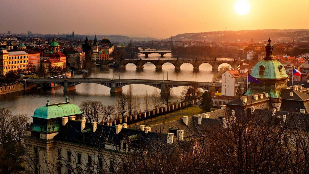 Praga, una ciudad imprescindible en ambas rutas