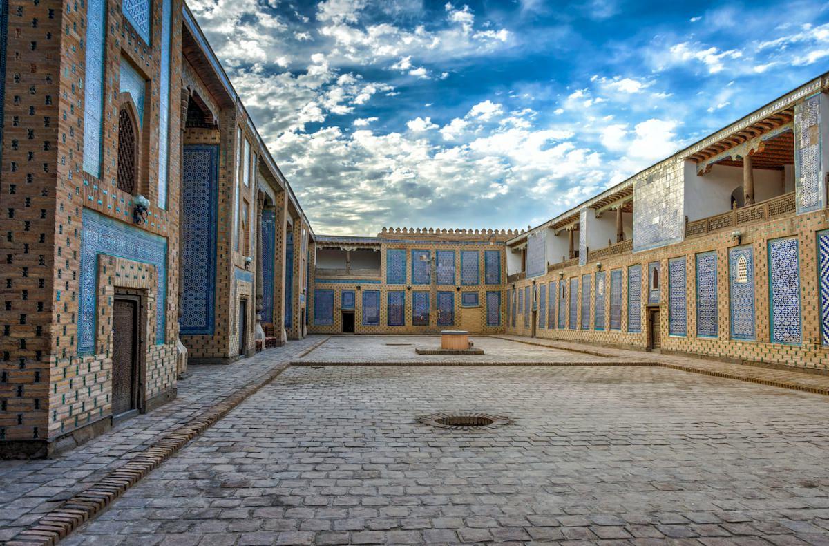 Harem Tash-Khauli
