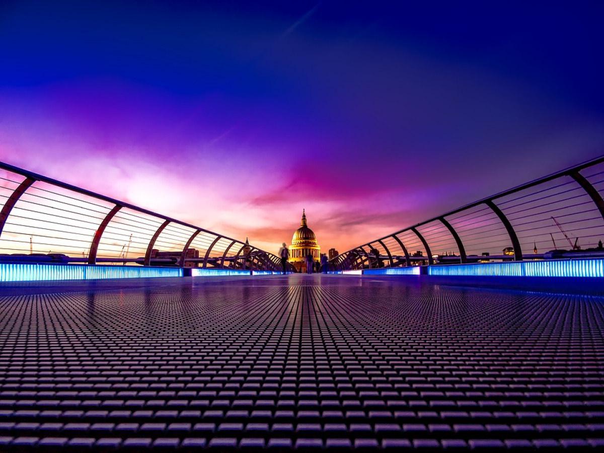 Millenium Bridge (puente del Milenio)