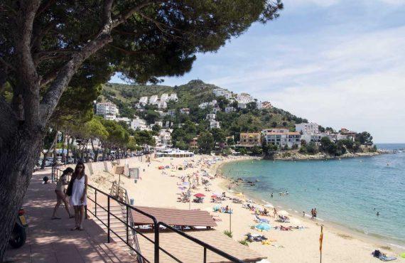 Las mejores playas y pueblos del golfo de Roses (Girona)
