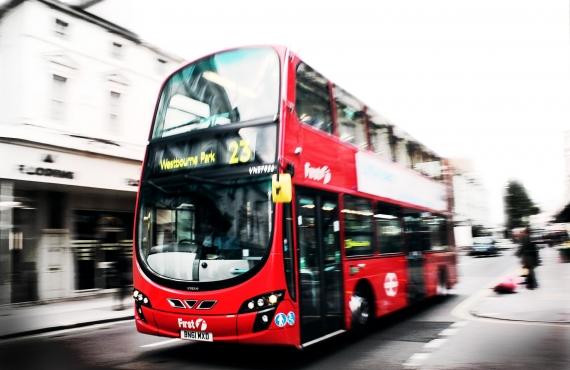 12 autobuses turísticos por ciudades del mundo